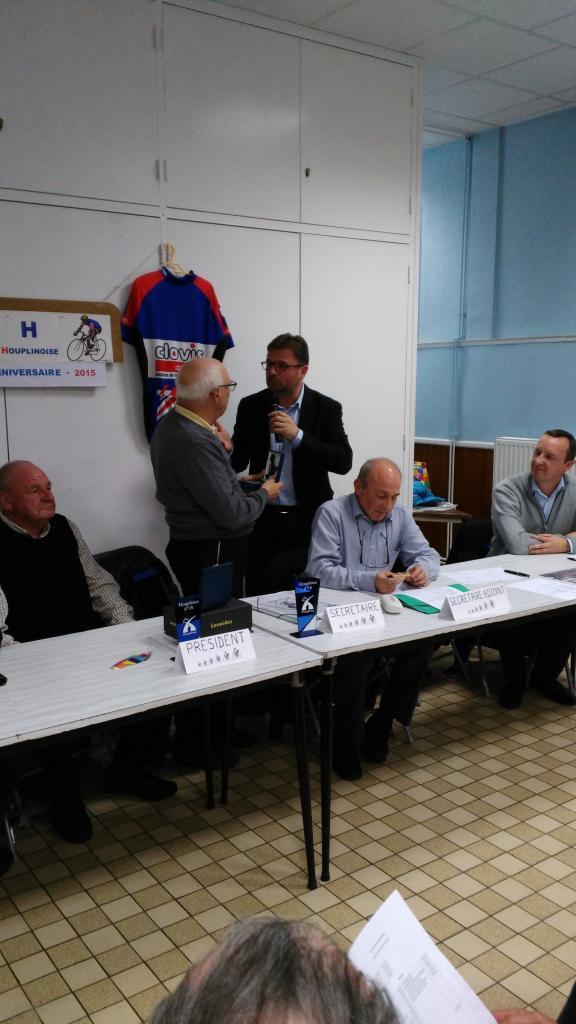 Remise de la médaille d'Honneur de la Ville d'Houplines à Roger Cauwel